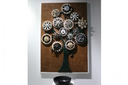 "Artist Mahmut Kockan at the booth of <a href=""http://www.naturstone.net/""target=""_blank"">Natur Stone</a>."