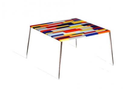 Franco Eccel: table with top made of engineered stone.