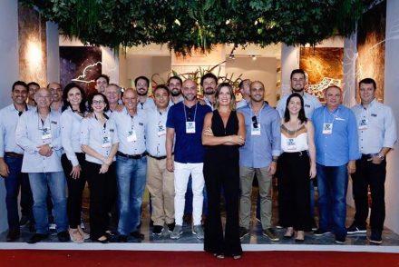 Renata Malenza and Corcovado Brasigran's team.