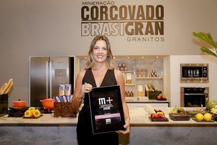 Renata Malenza at the company's booth in Vitória 2017.