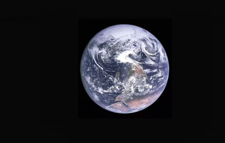 "Apollo 17: ""Blue Marble""."