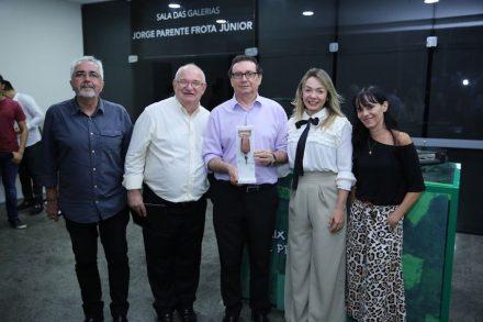 """Reverseauto"", (f.l.t.r.) professors of UNIFOR-Universidade de Fortaleza: Ricardo Eleutério Rocha, Alberto Gradvohl, Danielle Coimbra and Adriane Hortêncio. Center: Carlos Rubens Alencar (president Simagran-CE)."