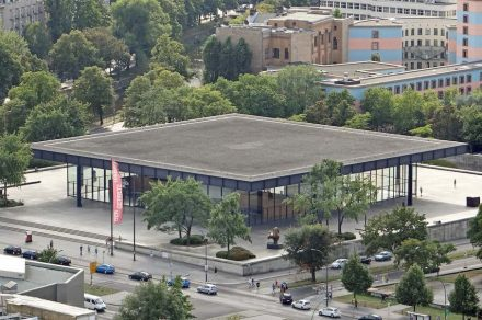 Die Neue Nationalgalerie 2013. Foto: Jean-Pierre Dalbéra / Wikimedia Commons