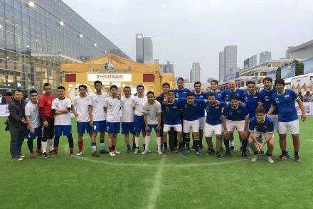 "Lundhs Cup: ""Samba"", Brasilien, 1. Platz (rechts), Team ""Dragon"", China, 4. Platz (li)."