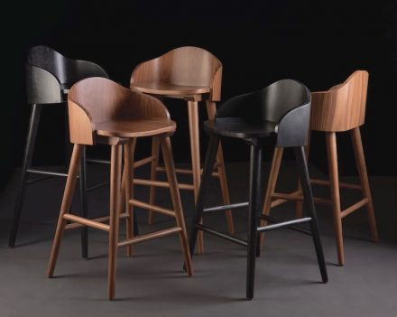 "Peca, Caterina Moretti: stools ""Ola""."