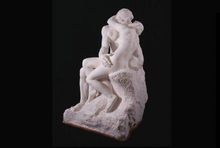 """Auguste Rodin: """"Der Kuss"""", breite Version, nach 1898, Gips, Abformung von der 1. Version in Marmor. © Musée Rodin"""