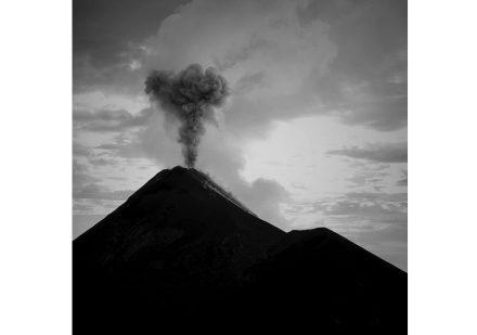 Vor vielen Millionen Jahren gab es Vulkane auch auf dem Gebiet des heutigen Deutschlands. Hier ein aktuelles Foto aus Guatemala. Foto: Stephan Zimmer