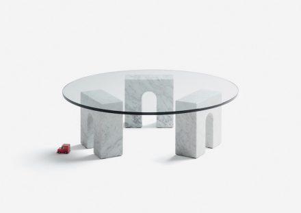 """Aparentment Disseny: """"Triumph-Table""""."""