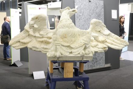 "Presentation ""Unser Naturstein"": Eagle for the Humboldtforum in the new Berlin palace, <a href=""https://www.bamberger-natursteinwerk.de/""target=""_blank"">Bamberger Natursteinwerk Hermann Graser</a>."
