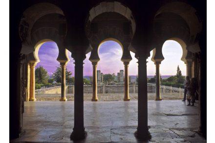 Hall of Abd al-Rahman III. Side nave. Photo: M. Pijuán / Madinat al-Zahra Archaeological Site (CAMaZ)