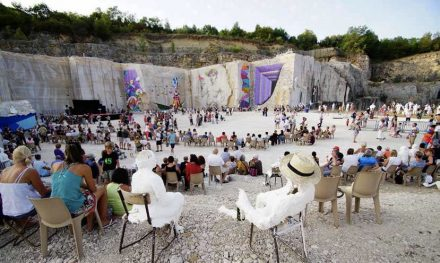 La Karrière: Culture in the former limestone quarry. Photo: La Karrière