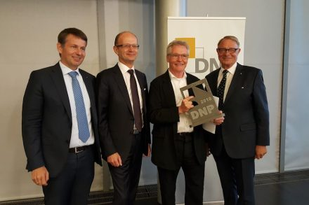 Presentation of the German Natural Stone Award 2018: (f.l.t.r) Joachim Grüter (President of the Deutscher Naturwerkstein-Verband, DNV), Award winner Arno Lederer (Lederer Ragnarsdóttir Oei), Heiner Farwick (President of the German Chamber of Architects) and Hermann Graser (Vicepresident of DNV and CEO of Bamberger Natursteinwerke). Photo: DNV