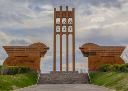 Memorial of the Battle of Sardarapat: Photo: Serouj Ourishian  / Wikimedia Commons