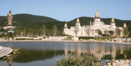 Lingshan Brahma Palace.