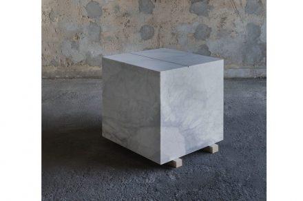 """Francesco Arena: """"Metro cubo di marmo con metro lineare di cenere""""."""
