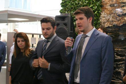 Pressekonferenz der Grupo Guidoni auf der Marmomac 2017: (v.l.n.r.) Verônica Petrópolis, Marketing, Rayner Guidoni, Vizepräsident, Rafael Guidoni, CEO.