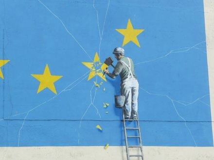 "Brexit Mural in Dover. Photo: Immanuel Giel / <a href=""https://commons.wikimedia.org/""target=""_blank"">Wikimedia Commons</a>"