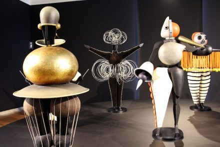 Figurines form Oskar Schlemmer's Triadic Ballet in Stuttgart's Neue Staatsgalerie. Photo: Fred Romeiro / Wikimedia Commons