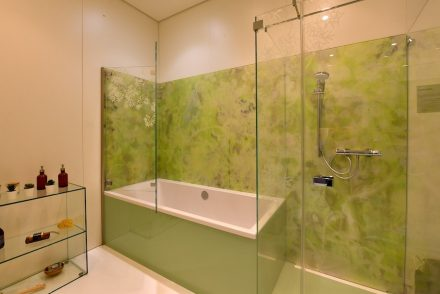 "Glass for shower walls (<a href=""https://www.glastroesch.de/""target=""_blank"">Glas Trösch</a>)."