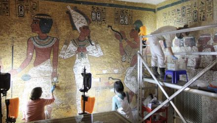 Scientists working in the Tomb of Pharaoh Tutankhamen.