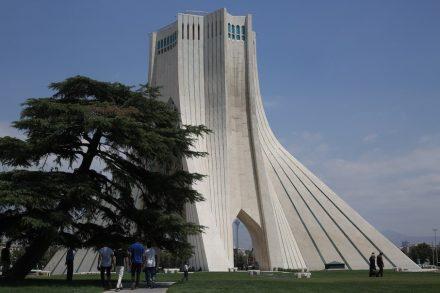 "Der Azadi Tower, Teheran. Foto: Mehdi nasiri1363 / <a href=""https://commons.wikimedia.org/""target=""_blank"">Wikimedia Commons</a>"