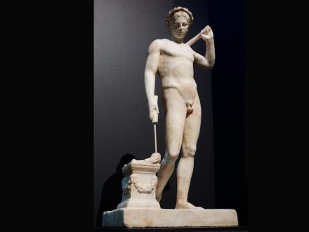 "Marble statuette of a naked youth. Unknown provenance. Late 1st century B.C.. Photo: George E. Koronaios / <a href=""https://commons.wikimedia.org/""target=""_blank"">Wikimedia Commons</a>"