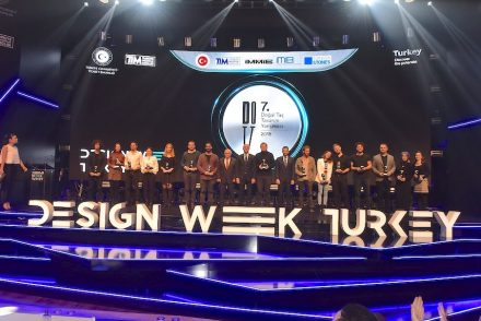 Award ceremony during Design Week Turkey.