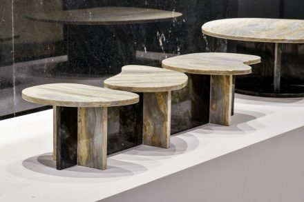 "Table ""Garoa"". Design: Rodrigo Ohtake. Company: Qualitá Group. Stone: marble Riviera (plate), marble Lanzarote."