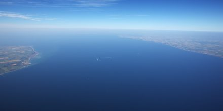 Luftaufnahme des Fehmarnbelts. Foto: Jan Kofod Winther / Femerns A/S