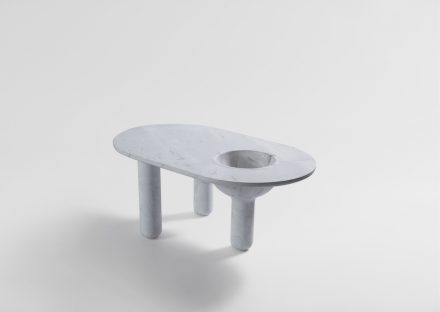 "Artedomus, Tom Skeehan: table ""Baccus""."
