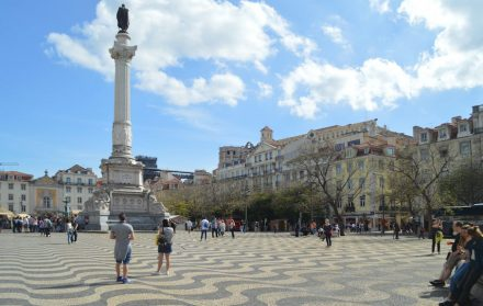 "Lisbon is famous for its stone pavements of squares and streets, the ""Calçada Portuguesa"". Photo: Michael Gaylard / <a href=""https://commons.wikimedia.org/""target=""_blank"">Wikimedia Commons</a>"
