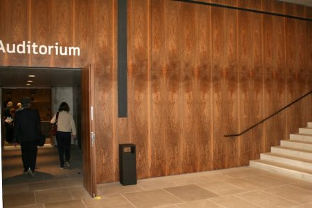 Wooden paneling at the entrance on the first floor. Photo: Peter Becker