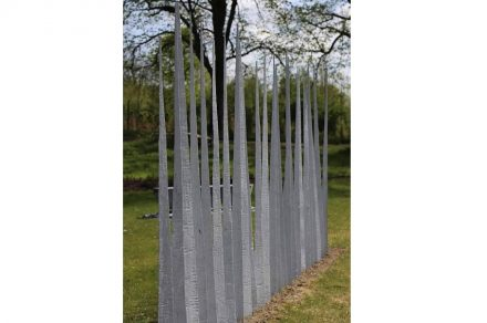 """For his work """"Hier beginnt das Paradies"""" (""""Where Paradise Begins"""") Hans Paar cut the cube into triangular prisms."""