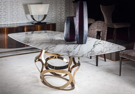 "Costantini Pietro: ""Icon"" table, top in Calacatta Gold marble."