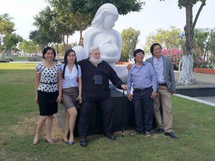 PHAN Quynh Huong (far left), Oyvin Storbaekken (3rd from left).