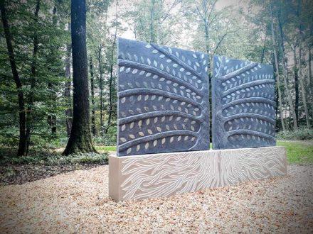 """Elsa Sculpteur: """"Baum des Ruhens"""" (Arbre de Repos)."""