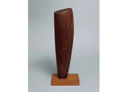 "Barbara Hepworth: ""Single form""."