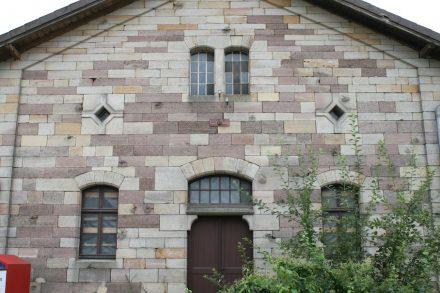 Haunetal-Neukirchen, ehemalige Güterhalle.