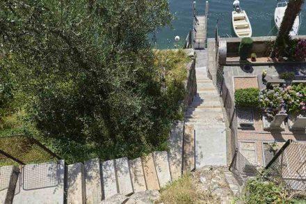 Enrico Sassi: Stufen für eine Treppe am Luganersee.