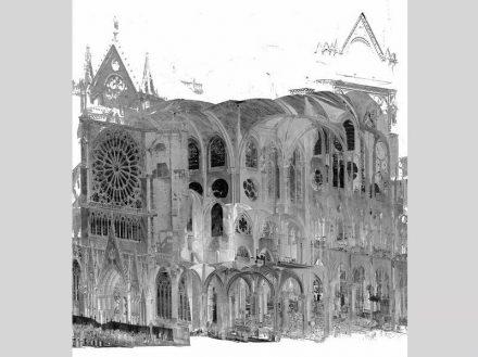 Bamberger Daten wie die Punktwolkenansicht gehen derzeit maßgeblich in ein 3D-Modell der Kathedrale von Paris ein.