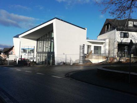 Ansicht Gemeindezentrum Halsenbach. Foto: Michael Bretz