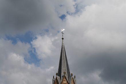 Gemeinden und Institutionen müssen sich etwas einfallen lassen, um ihren Kirchen neue Funktionen zu geben.