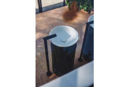 """Agape Outdoor-Kollektion: Waschbecken """"Vieques"""". Design: Patricia Urquiola."""