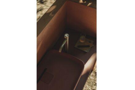 "Agape Outdoor-Kollektion: Waschbecken ""Petra"". Design: Vencato e Merendi."