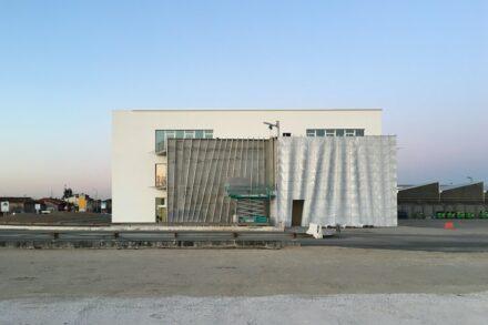 """Raffaello Galiotto, Margraf: """"Rivestimento lapideo ondulato"""" (Corrugated stone façade)."""