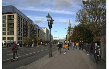 ... Karl-Liebknecht-Straße, im Jahr 2017.