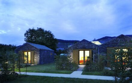 Matteo Thun, winery Longen-Schlöder: vineyard cottages.
