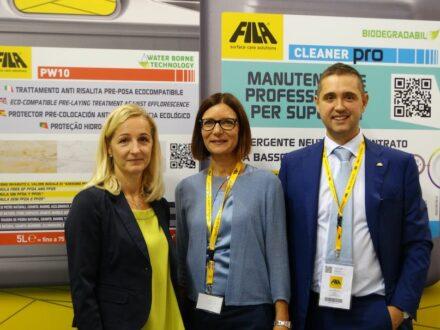 Von links nach rechts: Anita Wolf, Österreichischer Fliesenverband, Alexandra Becker (FILA-Pressesprecherin) und Stefano Scanferla (FILA)