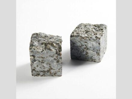 Lundhs, Real Stone: Buchstützen.