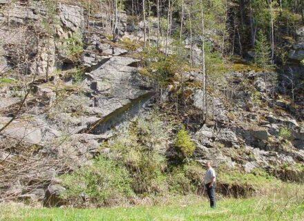 """Der Bibersberg bei Marktleuthen im Landkreis Wunsiedel zeigt seinen Granit in zahlreichen spektakulären Formationen. Foto: Fichtelgebirge / <a href=""""https://commons.wikimedia.org/""""target=""""_blank"""">Wikimedia Commons</a>, <a href="""" https://en.wikipedia.org/wiki/Creative_Commons_license""""target=""""_blank"""">Creative Commons License</a>"""